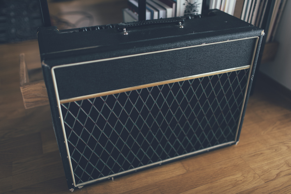difference between bass amp vs guitar amp